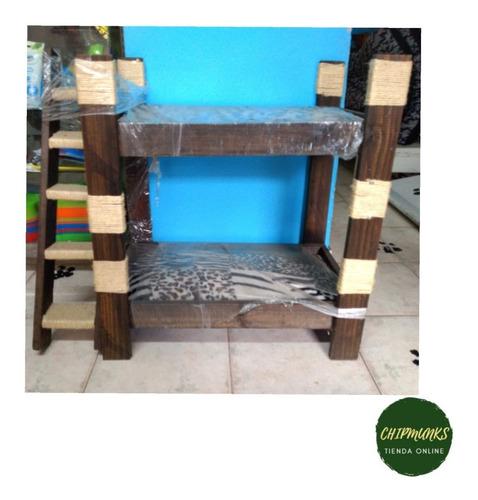 gimnasio y camas para gatos tipo camarote hecho en madera
