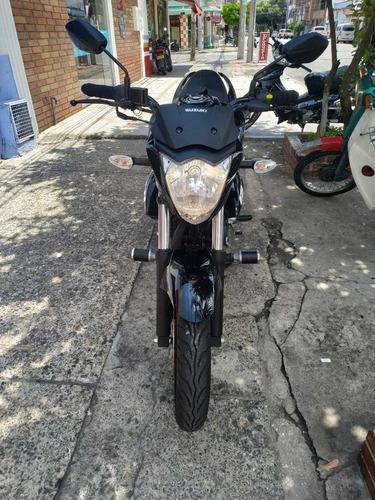 gixxer 150 negra