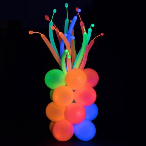 globos de fiesta fluorescentes y neón reactivos con luz uv