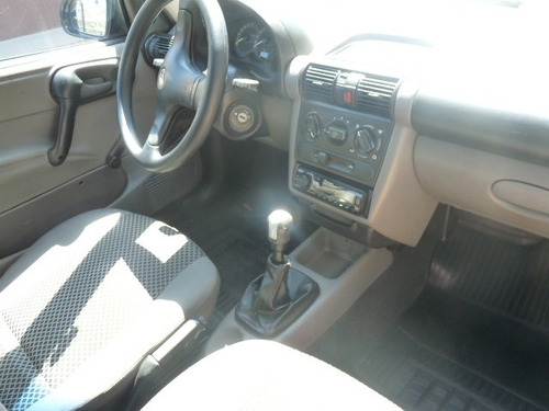 gm / corsa sedan 1.0 life flex + ar condicionado