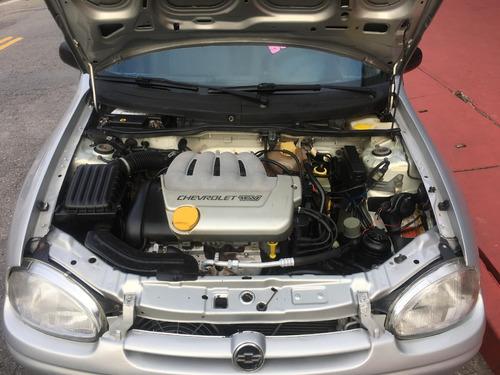 gm / corsa wagon 1.0  super - direção hidraulica - ar condic