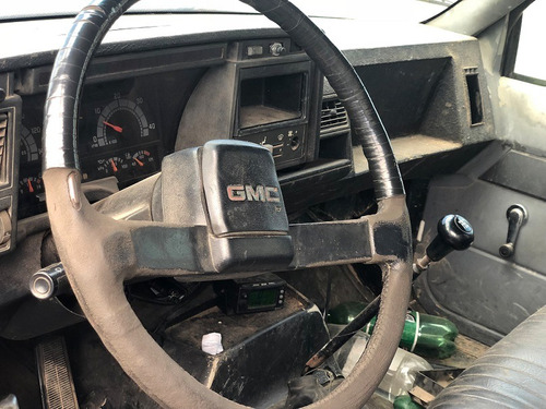 gmc 12.170 4x2 chassis