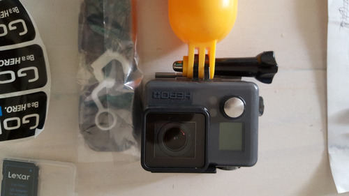 go pro hero+ con 32gb sandisk + starter/floating kit - usada