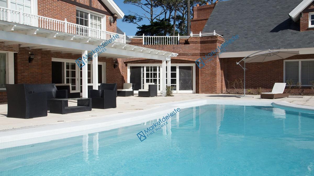 golf style - mega mansion