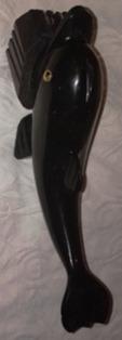 golfinho -escultura em pedra hematita base do mesmo material