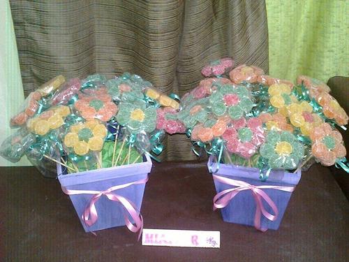 golosineros 25 flores de gomitas con maceta