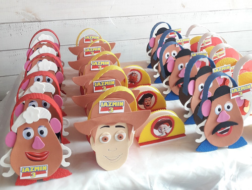 golosineros  toy story, en goma eva personalizado con nombre