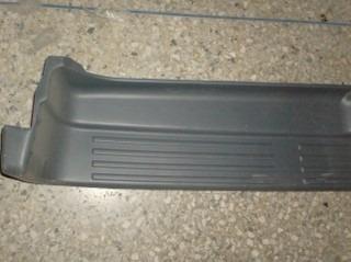 goma superior parachoque trasero 4runner año 1998 original