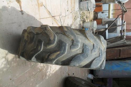 gomas de retroexcavadora 2 delanteras y una trasera