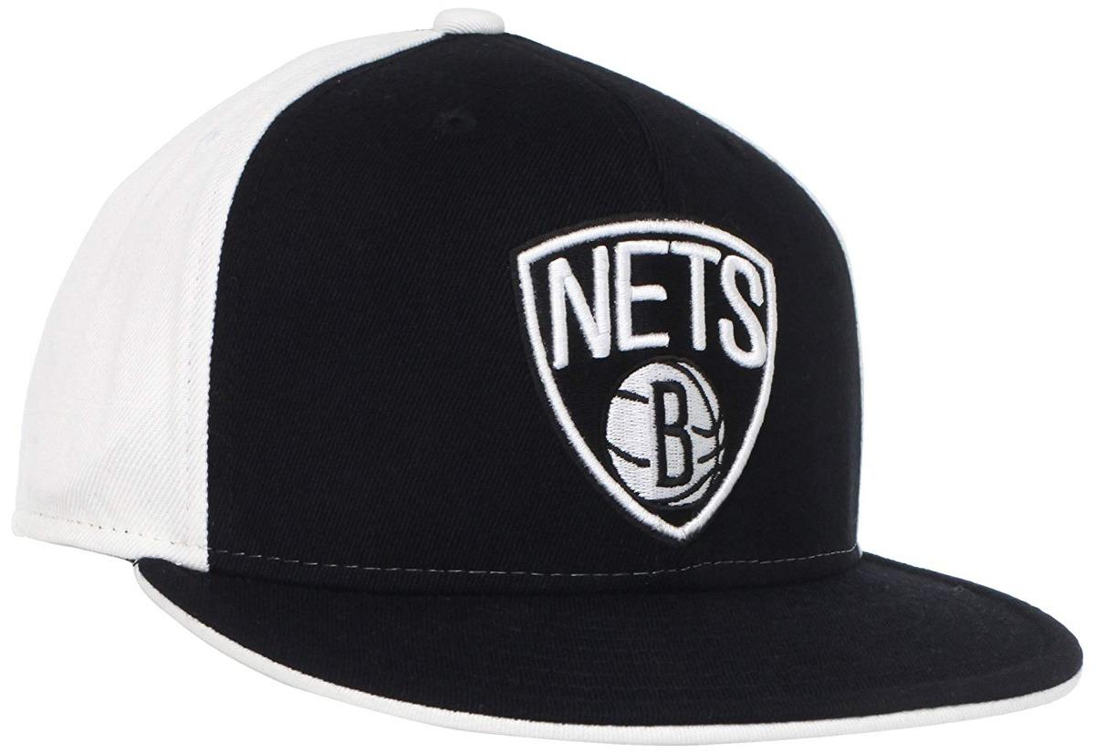 Gorra adidas Nba Brooklyn Nets Con Borde Plano Y Ajuste F ... 557632bff02