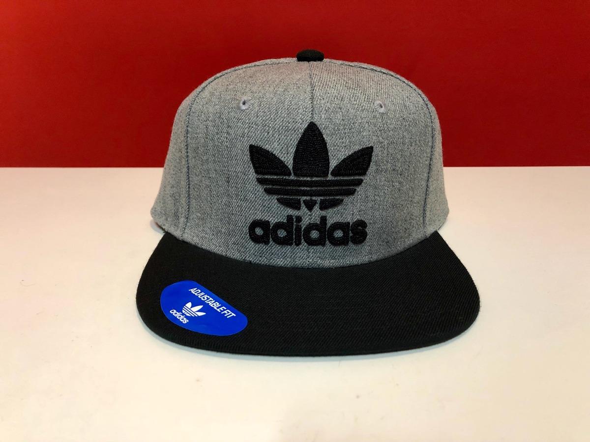 9f2cd95693a3 Gorra adidas Originals Snapback Nueva Gris Con Negro!!
