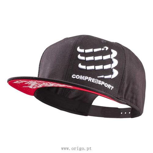 gorra compressport flat negra