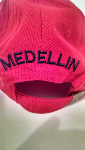 gorra independiente medellin dim rojo negro unisex bordada