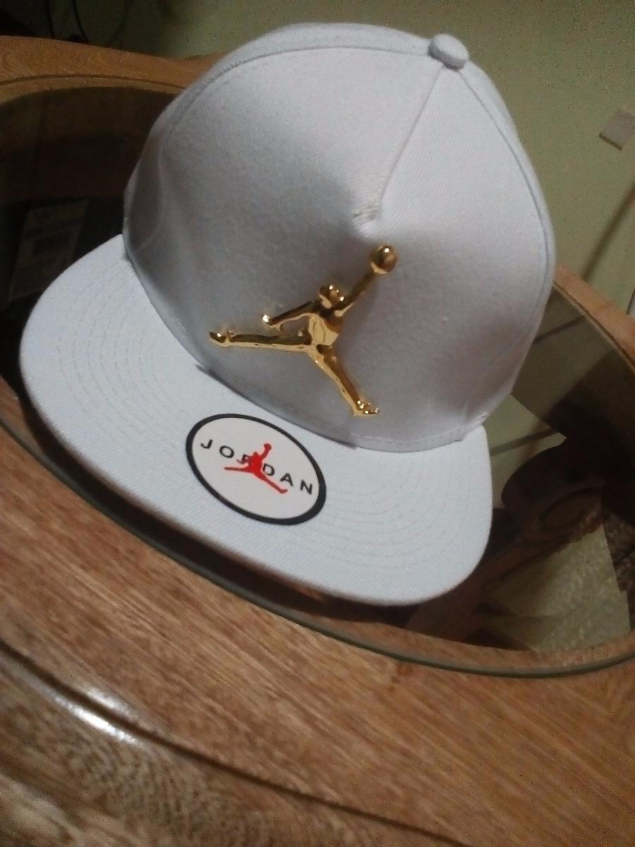 Gorra jordan original blanca económica en mercado libre gorras jordan blanca  con rojos jpg 900x1200 Gorras 5483e03207e