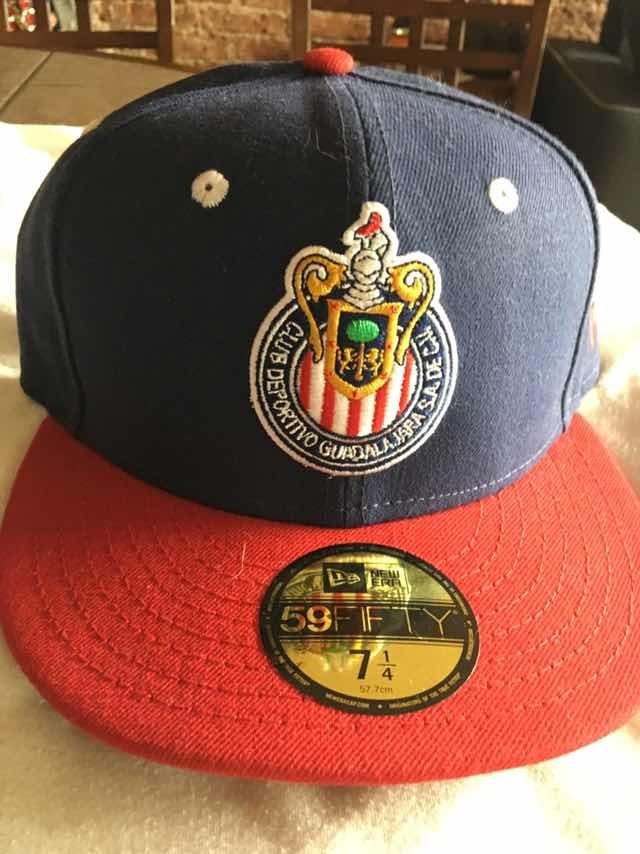 5bb0303c1bb65 Gorra New Era 5950 Chivas Guadalajara -   380.00 en Mercado Libre