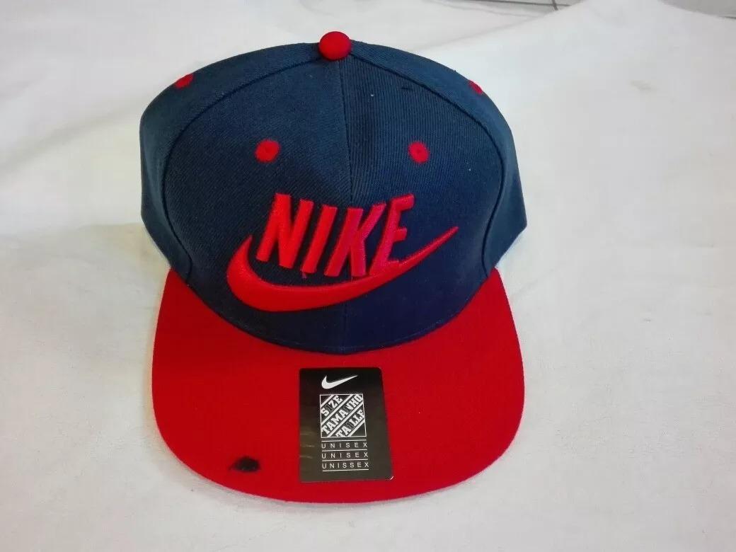 gorra nike plana azul con rojo. Cargando zoom. 84d9ddb0449