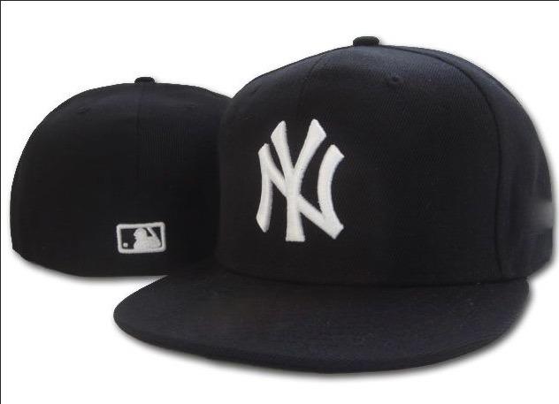 4501c9201a3eb Gorra plana new york yankees negra cerradas jpg 632x457 Imagenes de gorras  planas los yankees