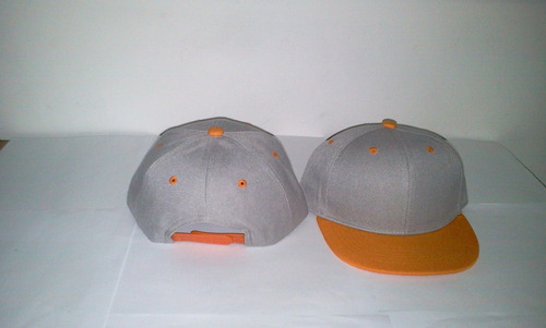 gorra plana snapback niño y adulto gris con visera naranja