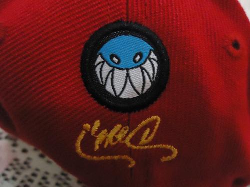 gorra roja de buho i'm totally different original ajustable