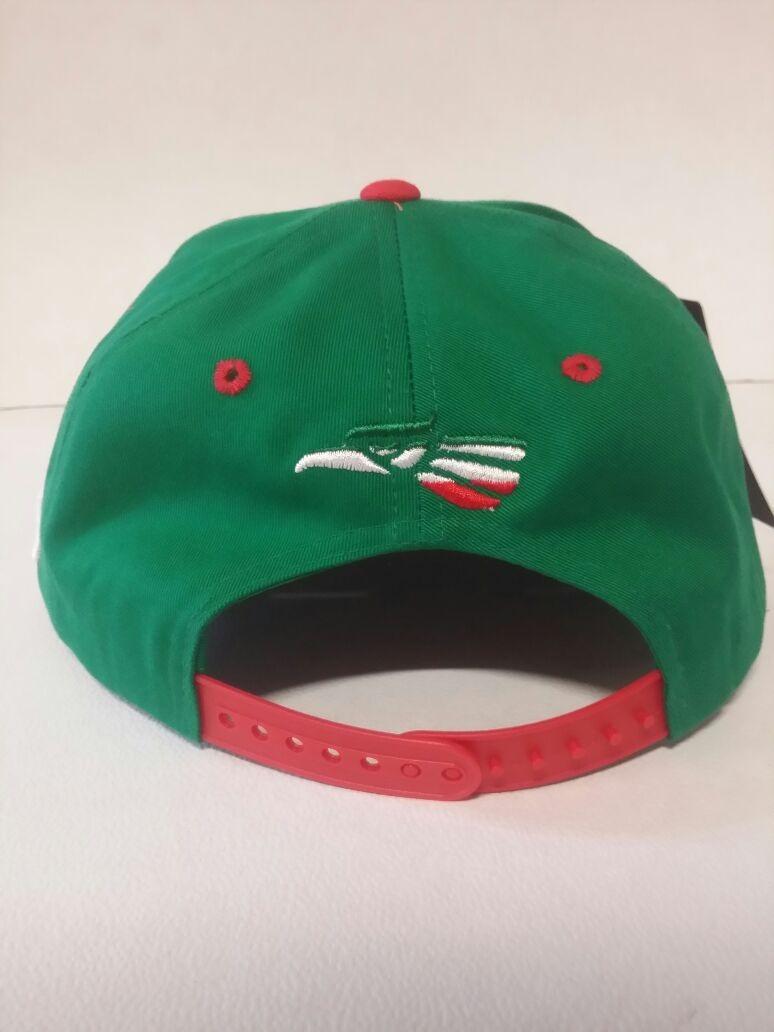 66448bb45d42e gorra snapback hecho en mexico aguila escudo bandera negro d. Cargando zoom.