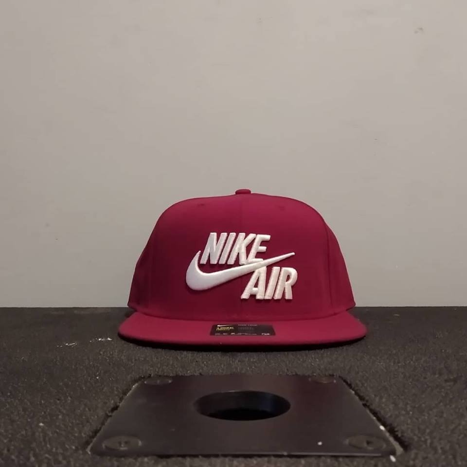 Gorra Snapback Nike Air Roja 84f51e7f63a