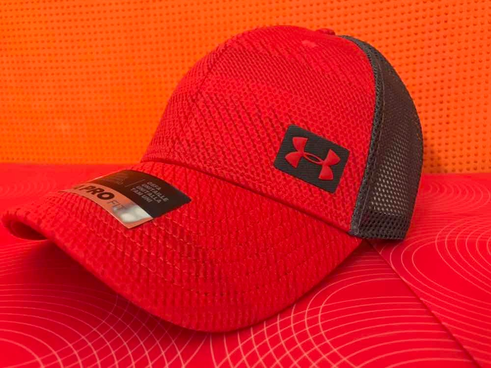 Gorra Under Armour Pro Fit Roja Con Malla Y Broche -   685.00 en ... 66688b8f285