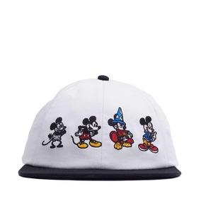 7c1e3e3cd8d14 Gorra Vans Edición Disney Mickey 90 Cumpleaños Look Trendy