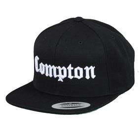 01030472eb561 Gorra Yupoong Flexfit Bordado Compton Snapback Negra