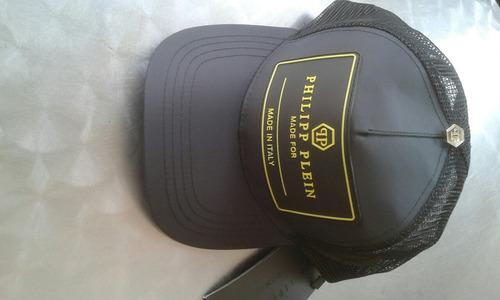 gorras armani