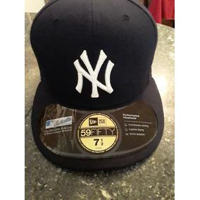 58057c029dfb2 Gorra Original Mlb De Los Yankees De New York. Bs. 30.000