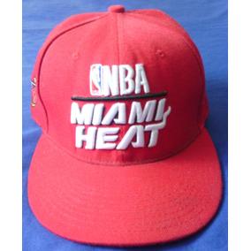 1d4e3c5176f08 Gorra Plana De Basket Miami Heat New Era