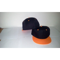Gorra Plana Negra Con Visera Naranja Cerrada Bicolor
