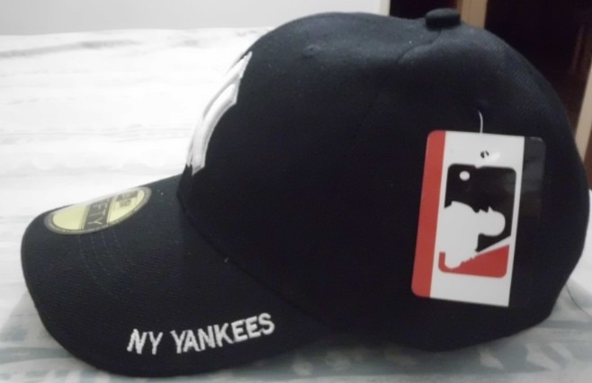 Gorras Negras Yankee Beisbol Grandes Ligas Cierre Magiico - Bs. 0 aedc936a59c