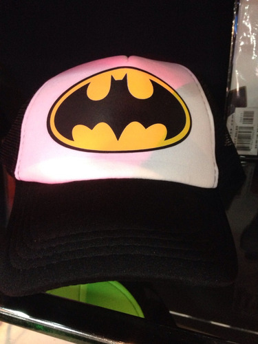 gorras personalizadas bandas de rock cómics batman superman