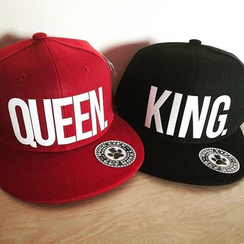 gorras planas king y queen - varios colores / dogg life swag