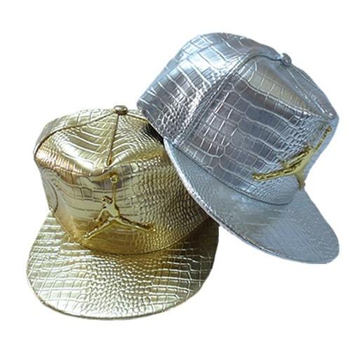 gorras jordan doradas