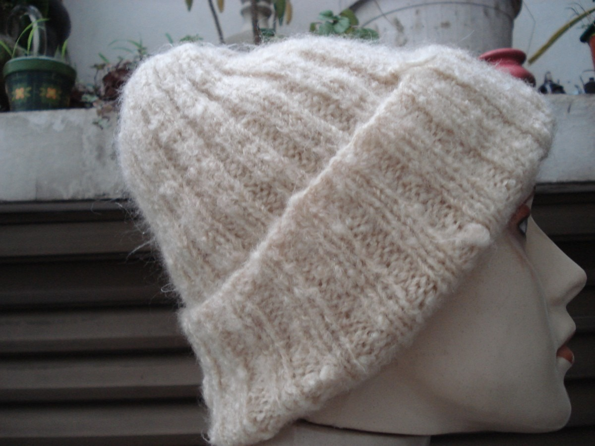 Gorro De Lã Em Trico Feito À Mao - R  55 eb25e628377
