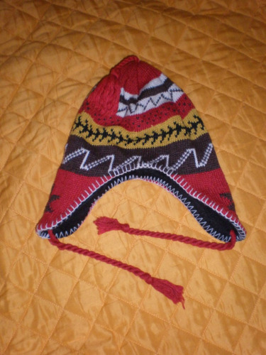 gorro de lana con borlas y diseño alpino nuevo!