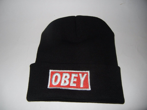 gorro de lana obey negra.