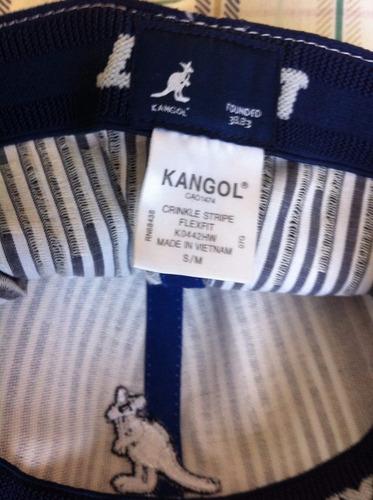 gorro kangol, listado blanco y gris.-