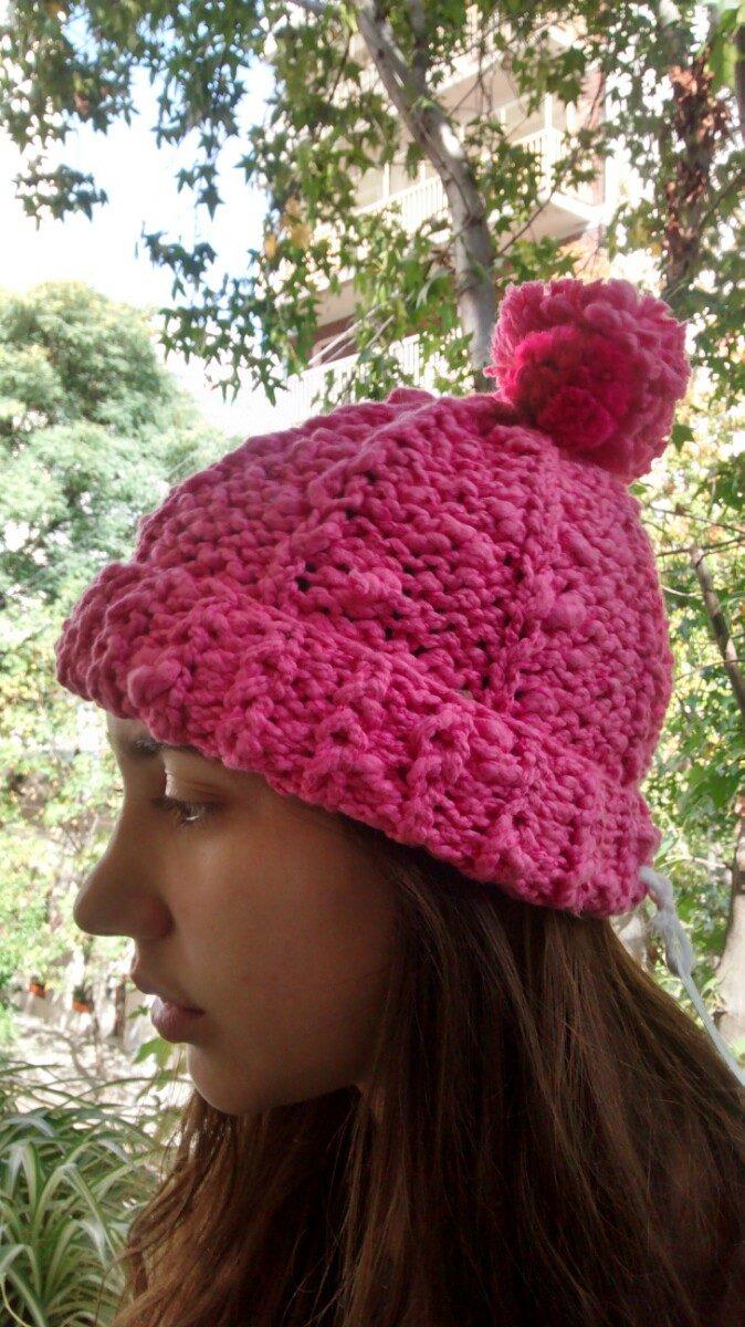 gorro lana pompon rosa fuerte muy lindo