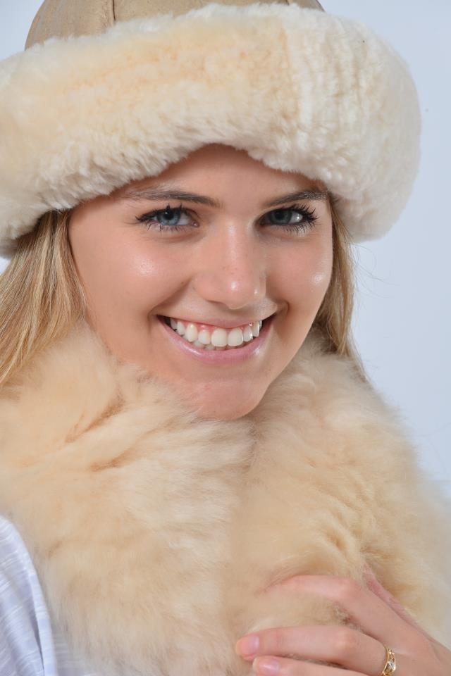 gorro para neve e frio em lã de carneiro legítima. Carregando zoom. dc1042af9f4