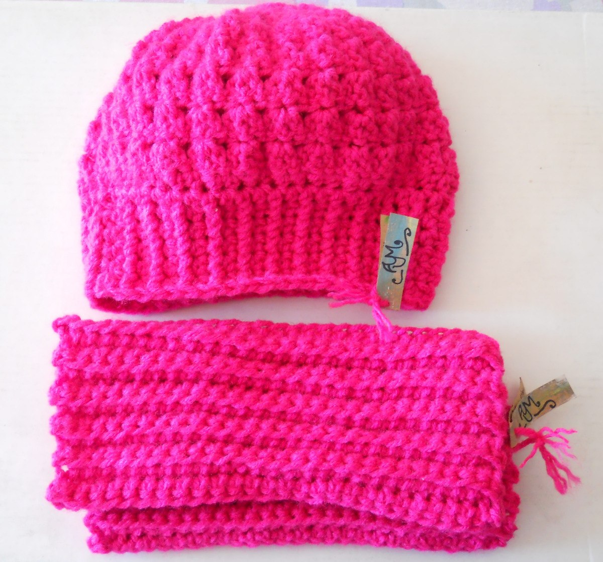 Gorro + Polainas Al Crochet Niña. - $ 360,00 en Mercado Libre