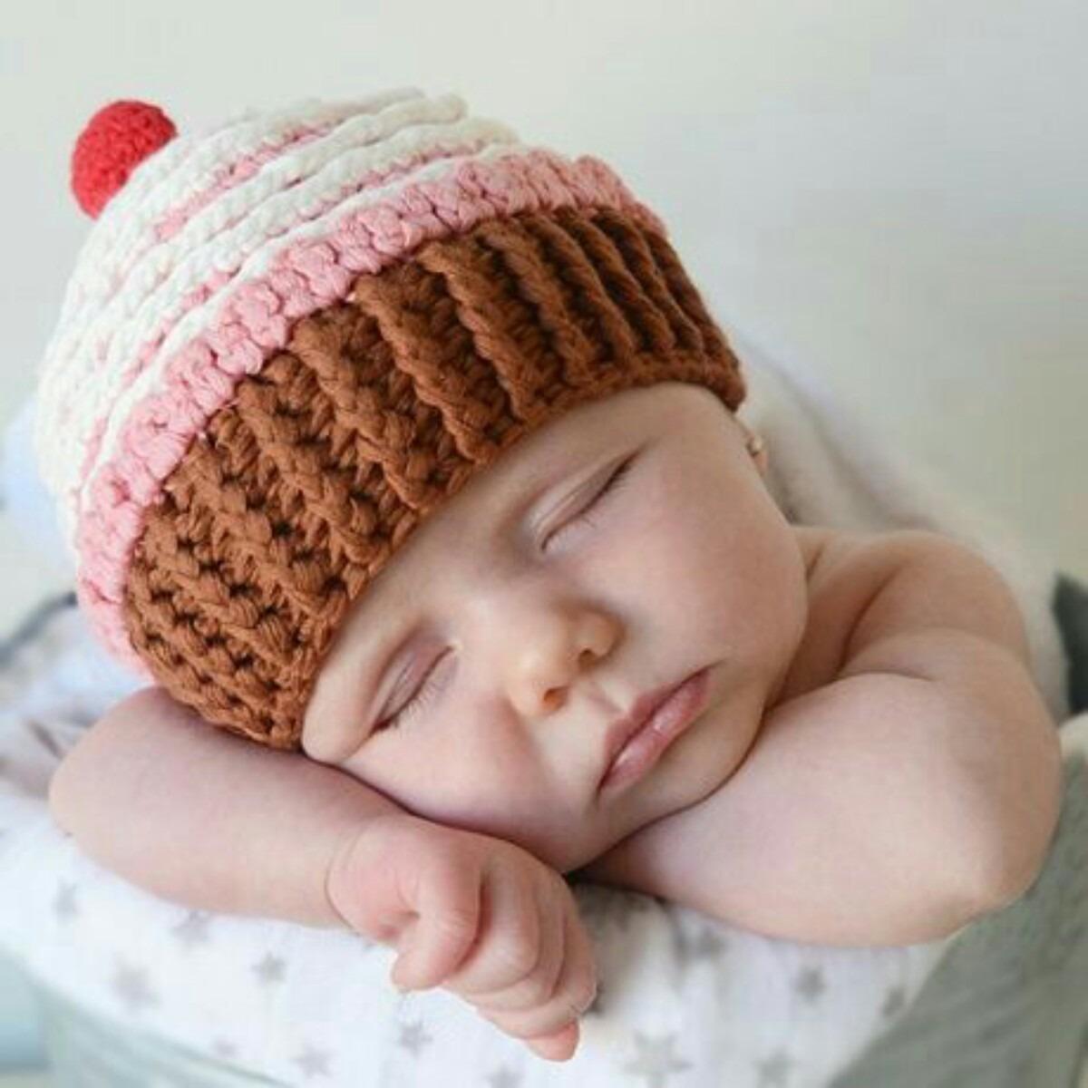 Asombroso Bebé Libre De Modelo Que Hace Punto El Sombrero Regalo ...