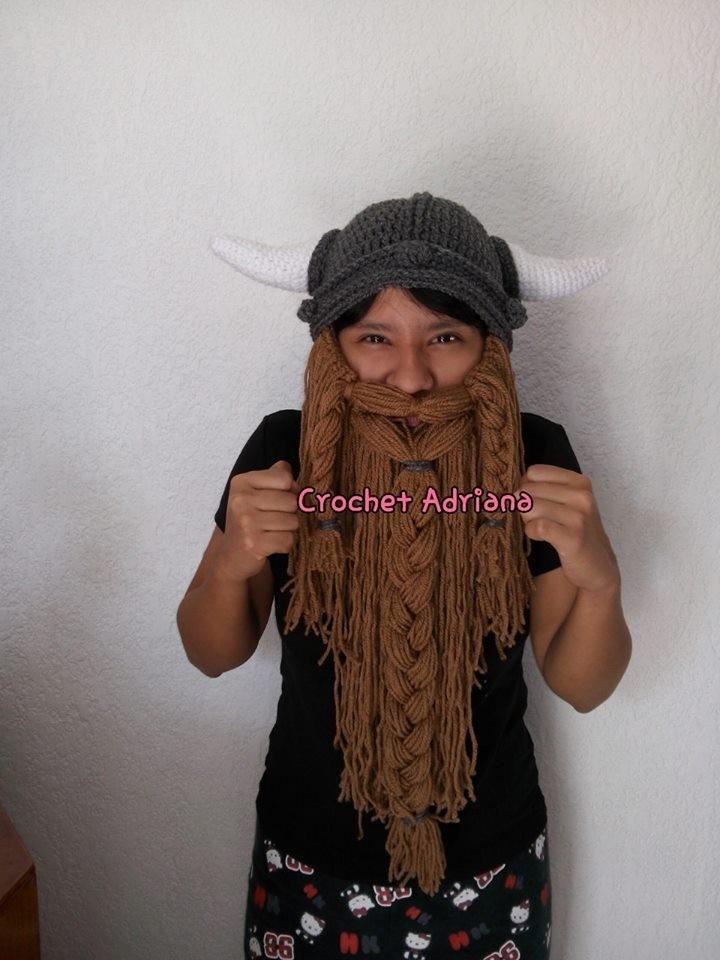 gorro vikingo con barba tejido crochet. Cargando zoom.