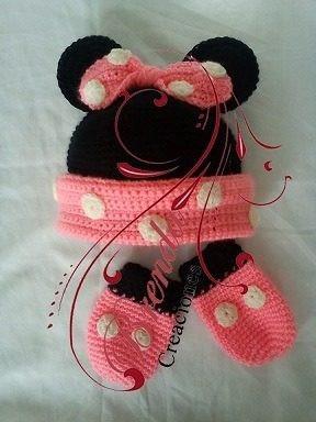gorro y manoplas en lana para bebe, minie y michey