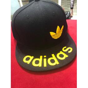 ab550fe6e4a47 Gorra Visera Plana Adidas en Mercado Libre Argentina
