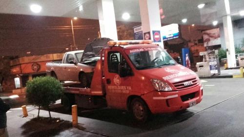 grùa. remolque de vehiculos. auxilio mecánico. grúa.