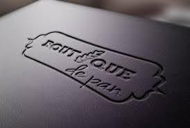grabado sobre cuero, etiquetas de cuero,relieve,hot stamping