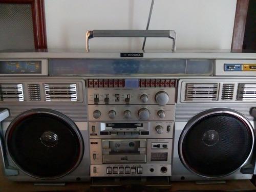 grabadora gigante riviera